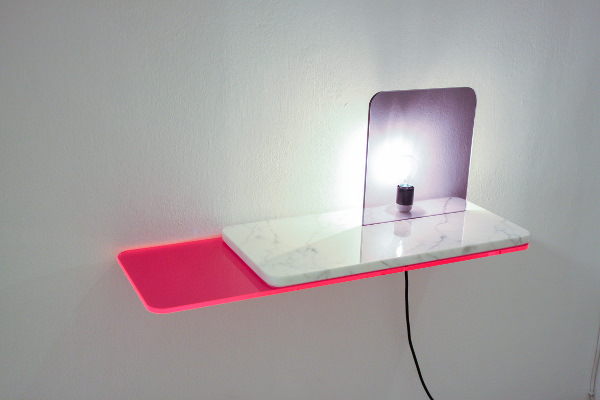 Stock collection rencontre entre plexiglas et marbre par - Table plexi design ...