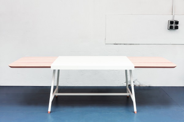 Judd la table à rallonge par le studio Trust In Design