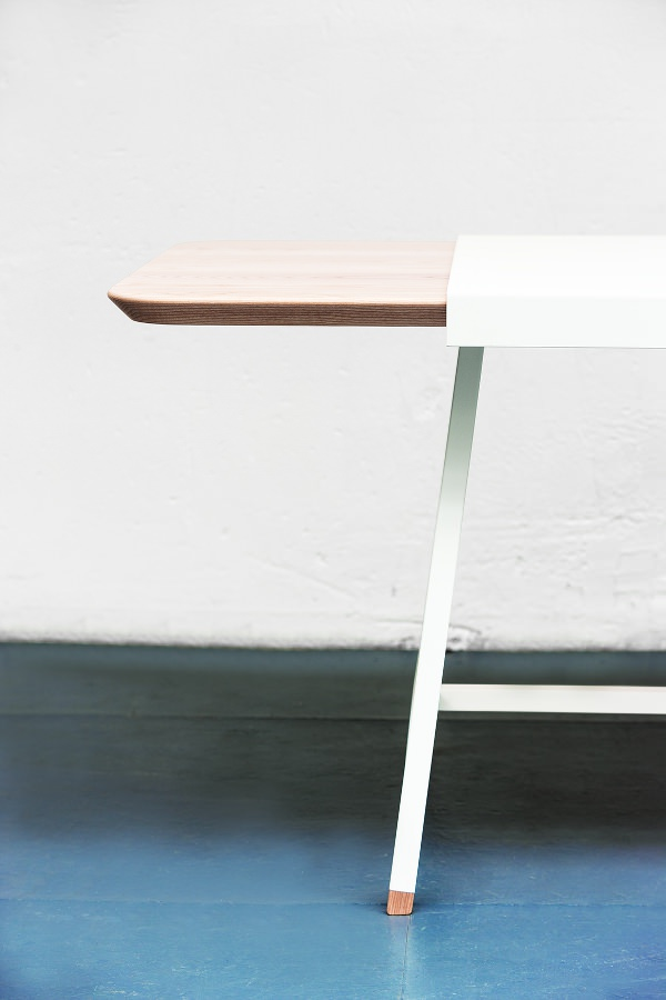 Judd la table à rallonge par le studio Trust In Design