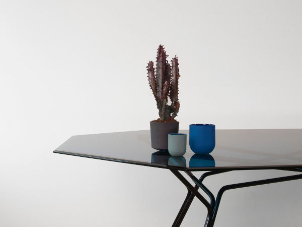 De Intuïtiefabriek design au féminin - table saffier