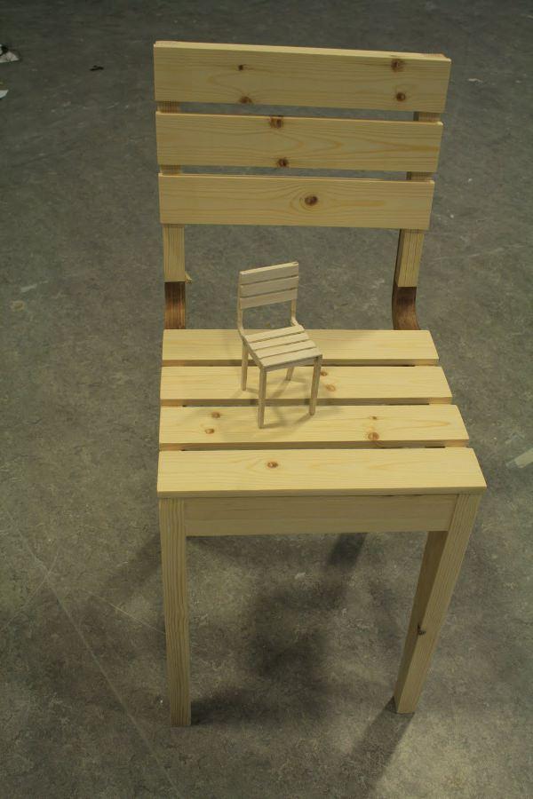 Curvy la chaise en bois pas Francesca Barchiesi