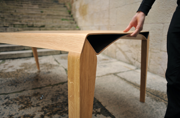 Usin-e, table triomphe