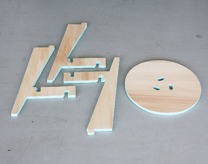 puzzle stool simplement tabouret par karolina tarkowska. Black Bedroom Furniture Sets. Home Design Ideas