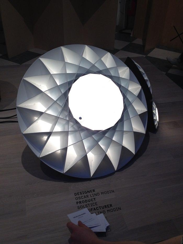 Lampe par Oscar Lind Modin, Suède  - Milan Design Week