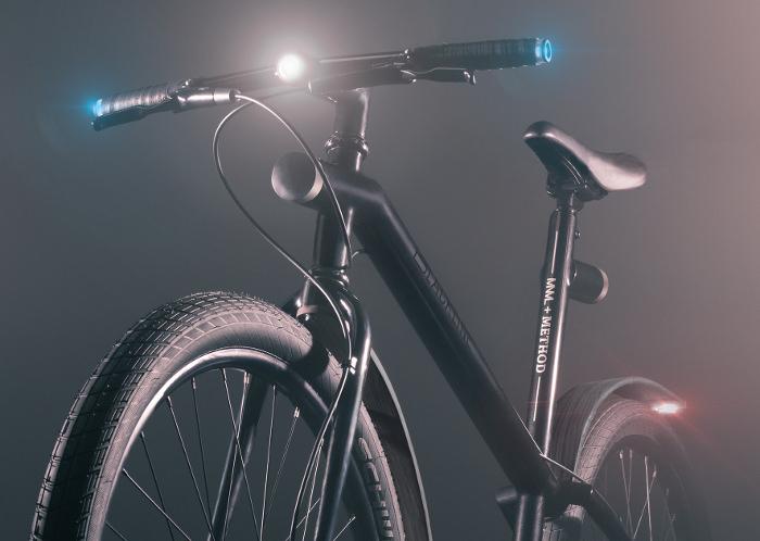 The BLACKLINE light lampe lumière design pour vélo bike