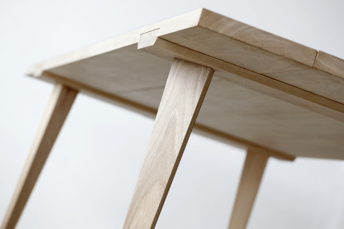 Timber table assembler par julian kyhl blog esprit design for Assemblage bois meuble