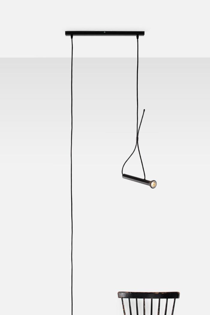 Lampe suspendue lasso par quentin de coster for Lampe suspendue
