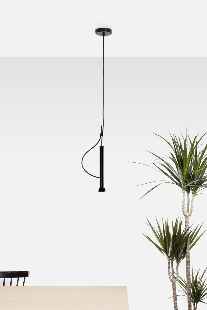 lampe suspendue lasso par quentin de coster. Black Bedroom Furniture Sets. Home Design Ideas