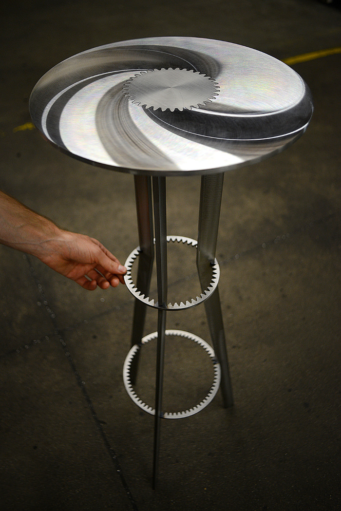 coup de coeur pdw 2014 tables engrenage gears. Black Bedroom Furniture Sets. Home Design Ideas