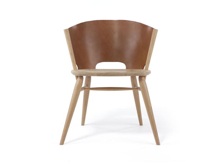 Hamylin chair la chaise de cuir par gareth neal for Chaise en bois et cuir