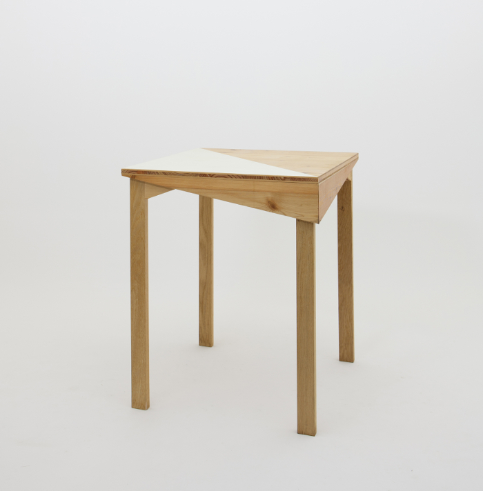 Table design - Mobilier Canadienne par le collectif nantais Fichtre