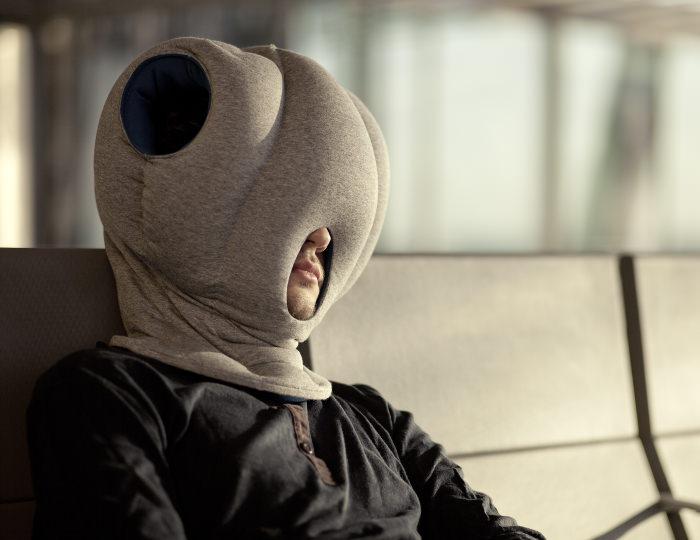 ostrich pillow coussins de sieste par le studio banana things. Black Bedroom Furniture Sets. Home Design Ideas