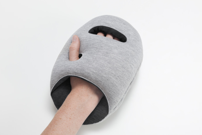 Ostrich Pillow mini les coussins de sieste par le Studio Banana Things