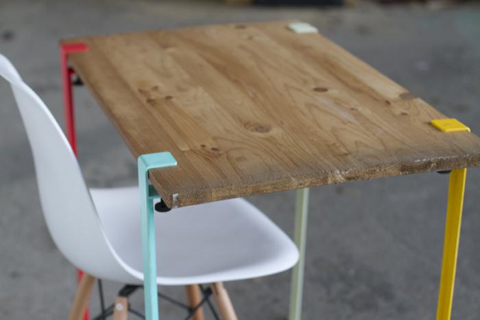 tiptoe le pied nomade par kevin torrini et matthieu bourgeaux. Black Bedroom Furniture Sets. Home Design Ideas