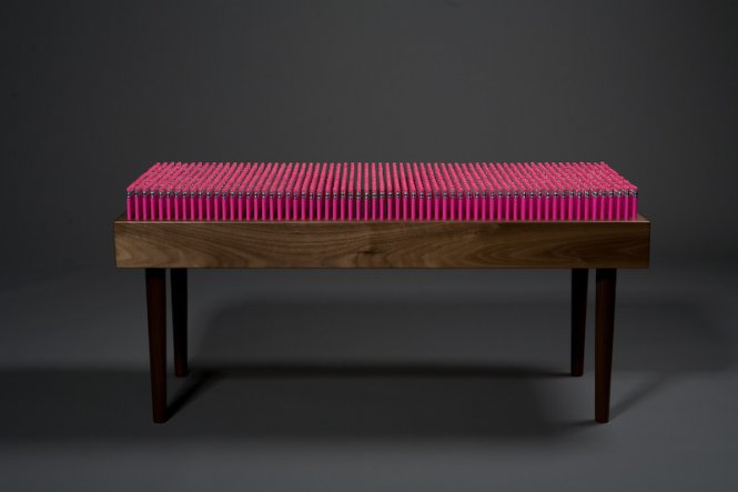 PENCIL BENCH : UN BANC D'ÉCOLIER ?