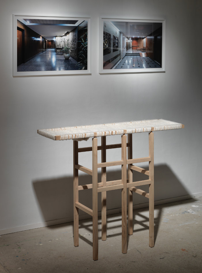 Exposition Objects in Between - IMM Cologne 2015 - WOOL AND WOOD la console bois et laine par Amaury Poudray