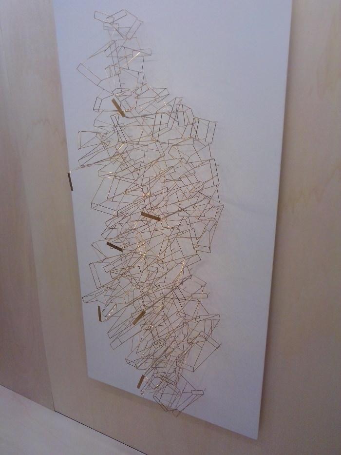 Exposition Design & Artisanat d'art Paris et Berlin - OMBRE PORTEE, installation lumineuse ( OSSATURE A 33)