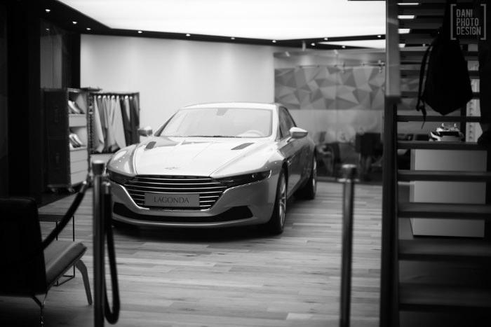 Aston Martin - Design et Courbes Salon automobile Genève 2015