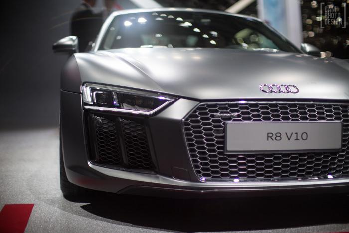 Audi - Design et Courbes Salon automobile Genève 2015