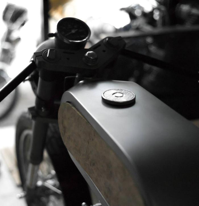 BISHOP changer les codes de la Moto par Bandit9