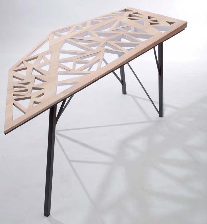 FOAL TABLE ET BUREAU PAR CHARLENE PLOURDEAU - 2012