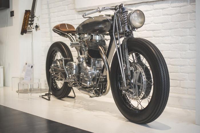 Moto Royal Enfield Bullet 500 par Hazan Motorworks