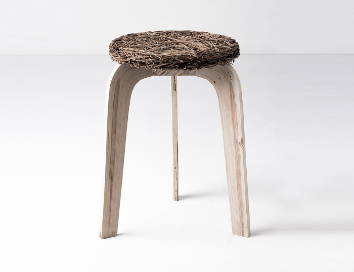 Pine collection mobilier aiguilles de pin par Samuel Reis