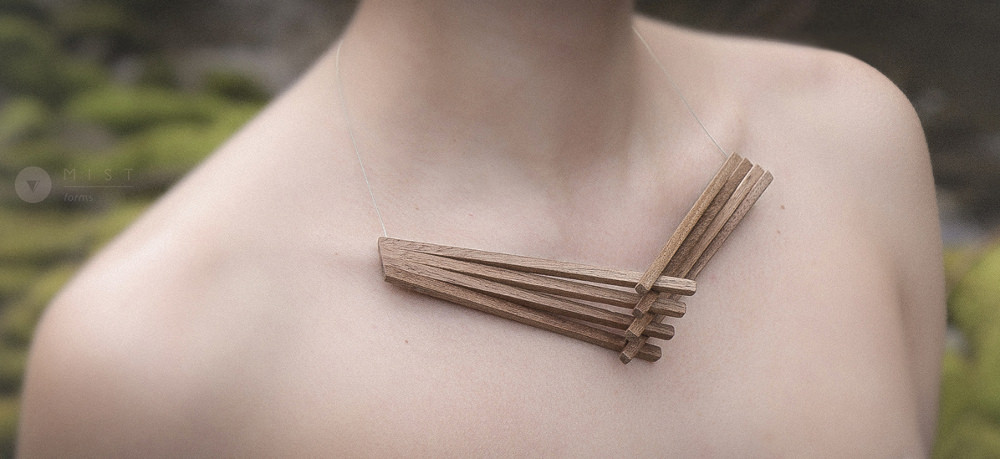Clavicle Suffix collier bois par Mistforms