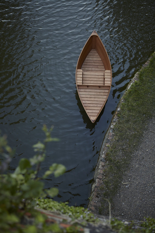 Vaguer objets à flotter - Floatting chair par Tom Gottelier et Bobby Petersen