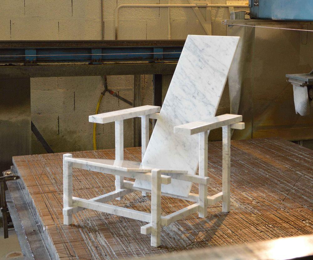 R&BM chaise de marbre par Jean-Charles Kien