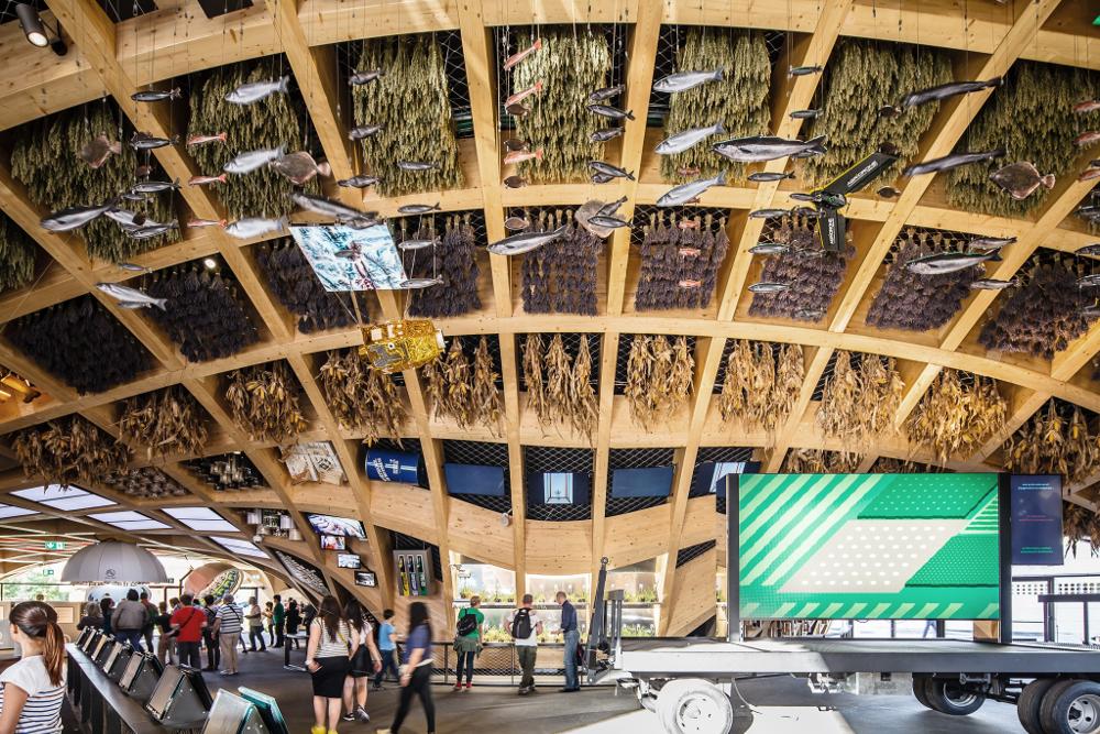 Scénographie du Pavillon : Adeline Rispal Scénographe / X-TU Architectes