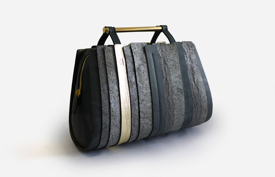 Rochers Nomades sac en pierre par Julie Zafiro