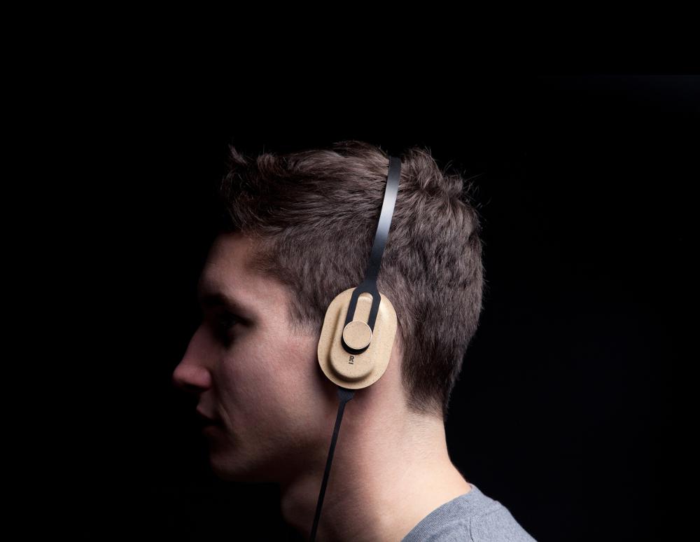Headphones, Maxime Loiseau. Photo : Samy Rio