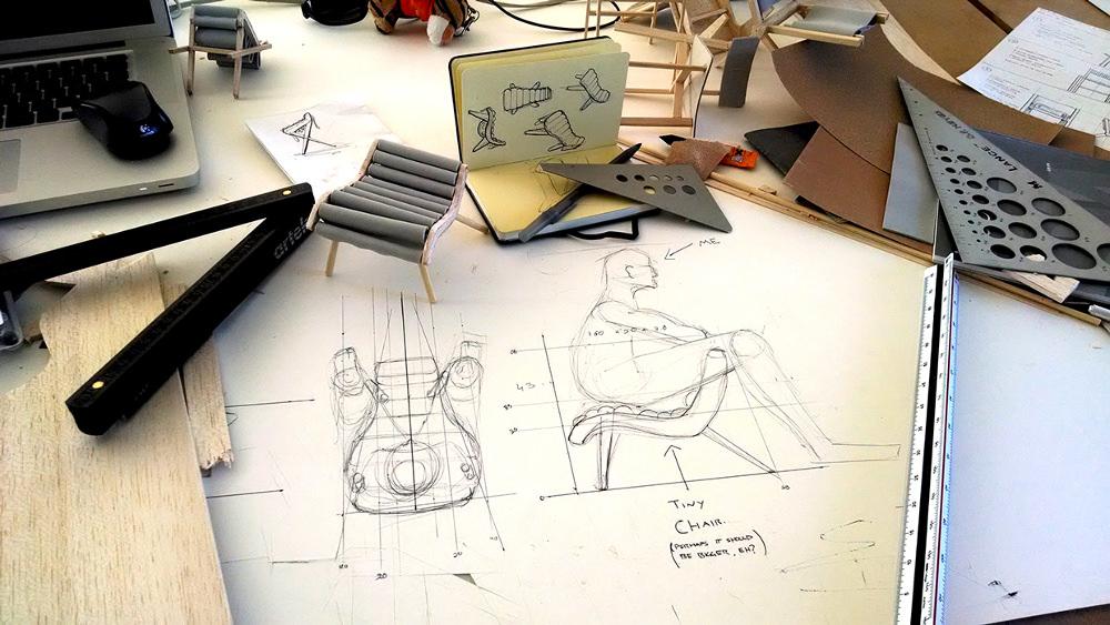 Oves Chair chaise bois et feutre par Brian Keyes