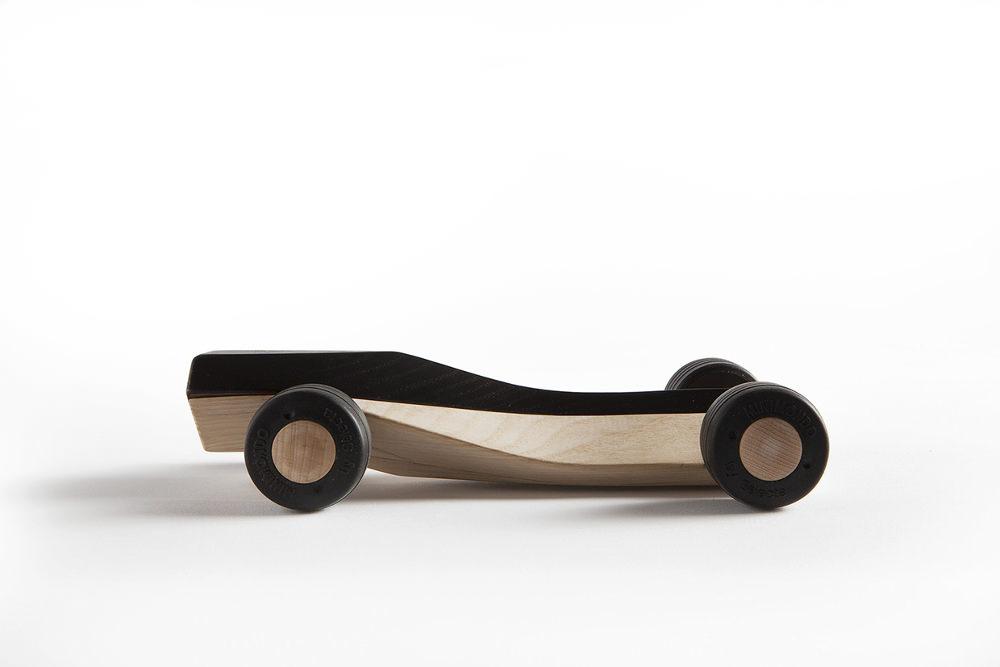 SPLINERS voiture en bois par Maarten Olden