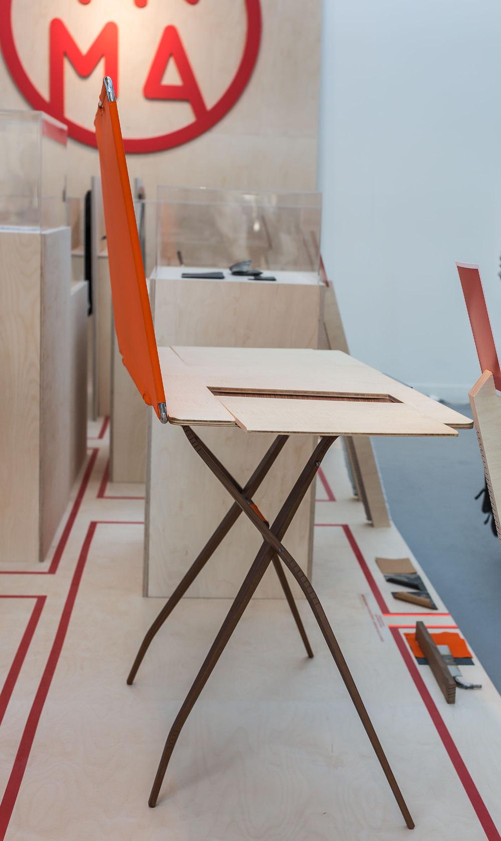 Bureau SLIM par Valentin Debreuil - exposition Hybridation Fertile INMA