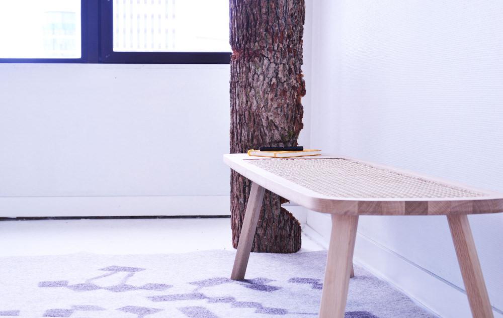 The Bench banc avec osier par Tim Defleur et Oza Design