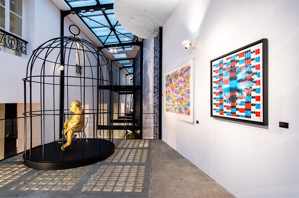 Street-Art-Inside-chez-Roche-Bobois_07