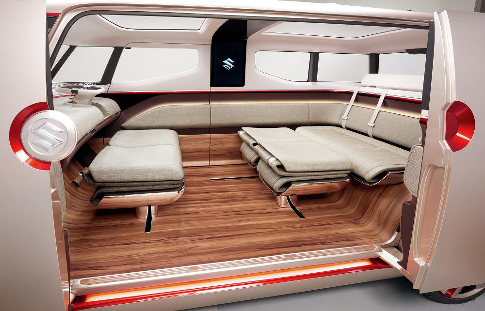 Grâce à un système de rail permettant de faire coulisser les sièges, la modularité intérieure est exemplaire!