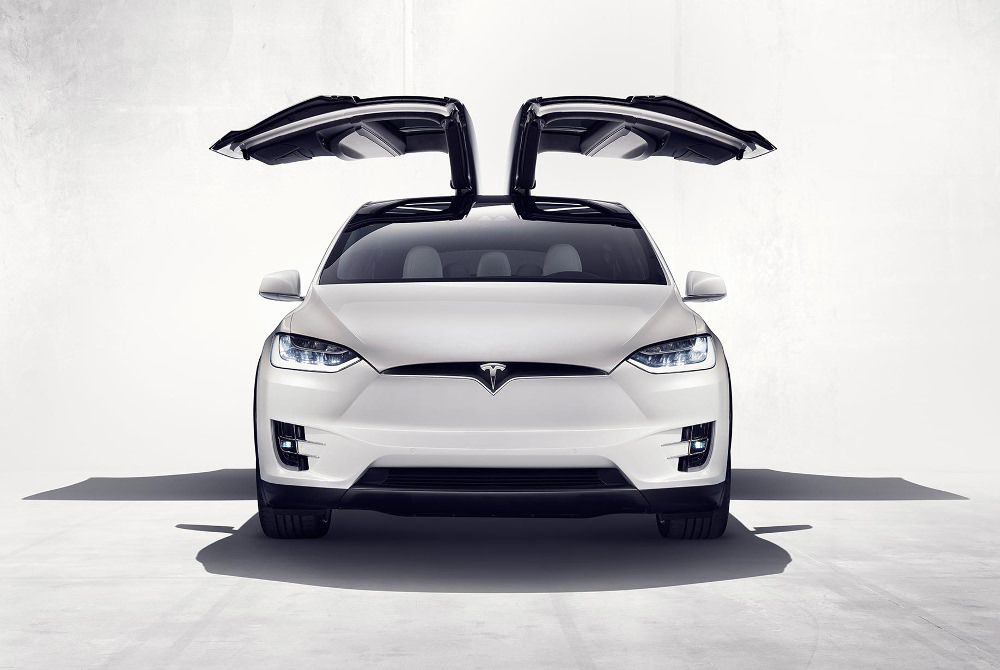 tesla model x le suv d 39 iron man blog esprit design. Black Bedroom Furniture Sets. Home Design Ideas
