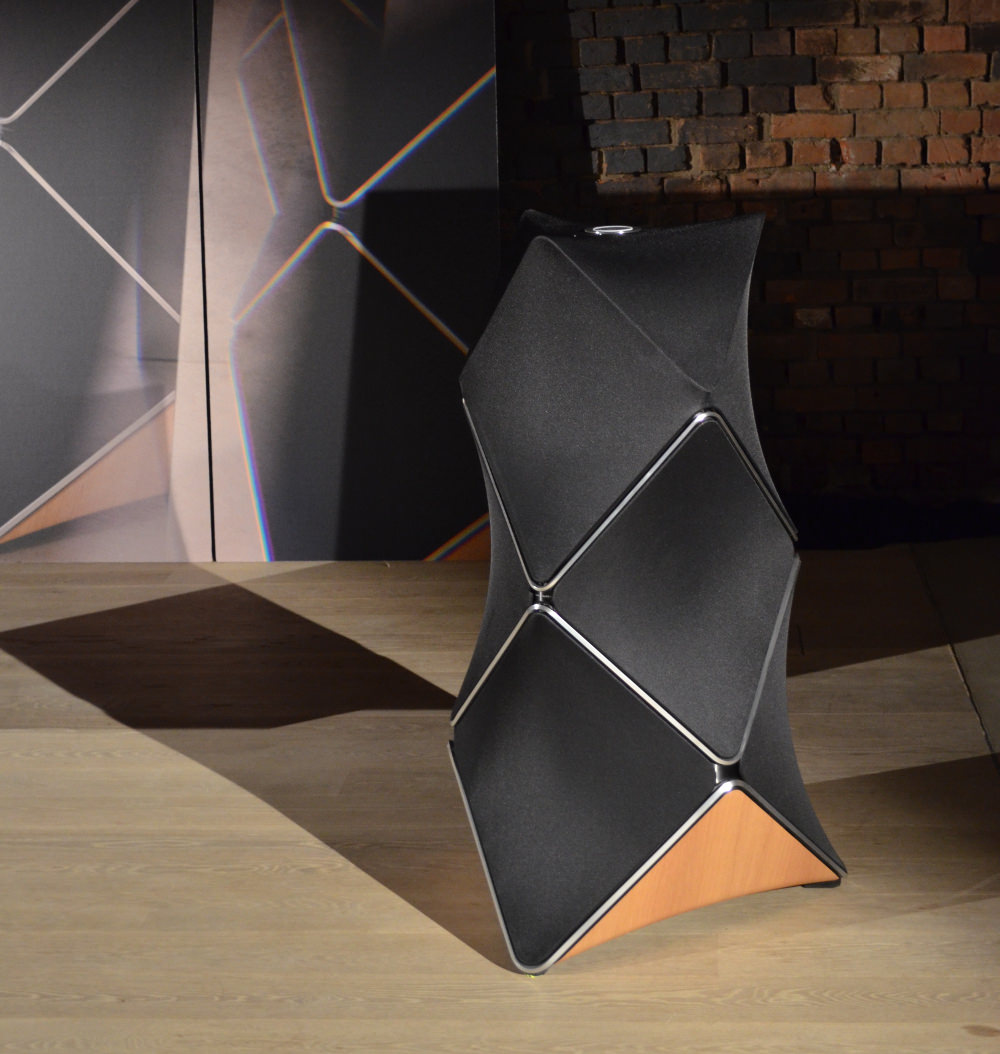 lancement international derniere enceinte design Bang & Olufsen