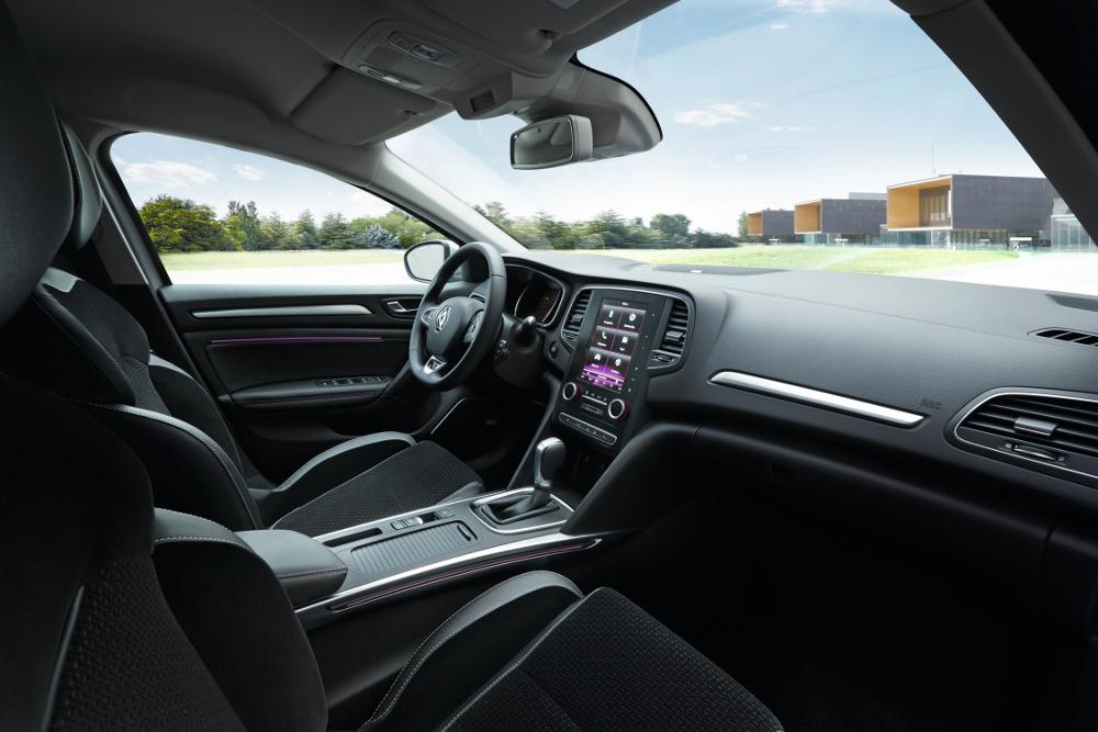 Renault MEGANE 4 plus qu'une voiture - Interieur
