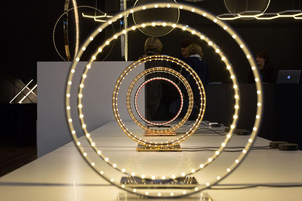 Installations de lampes de table Hydrolux par Le Deun Luminaires