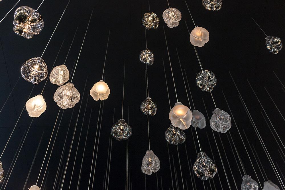 Suspensions lumineuses en verre par Lasvit