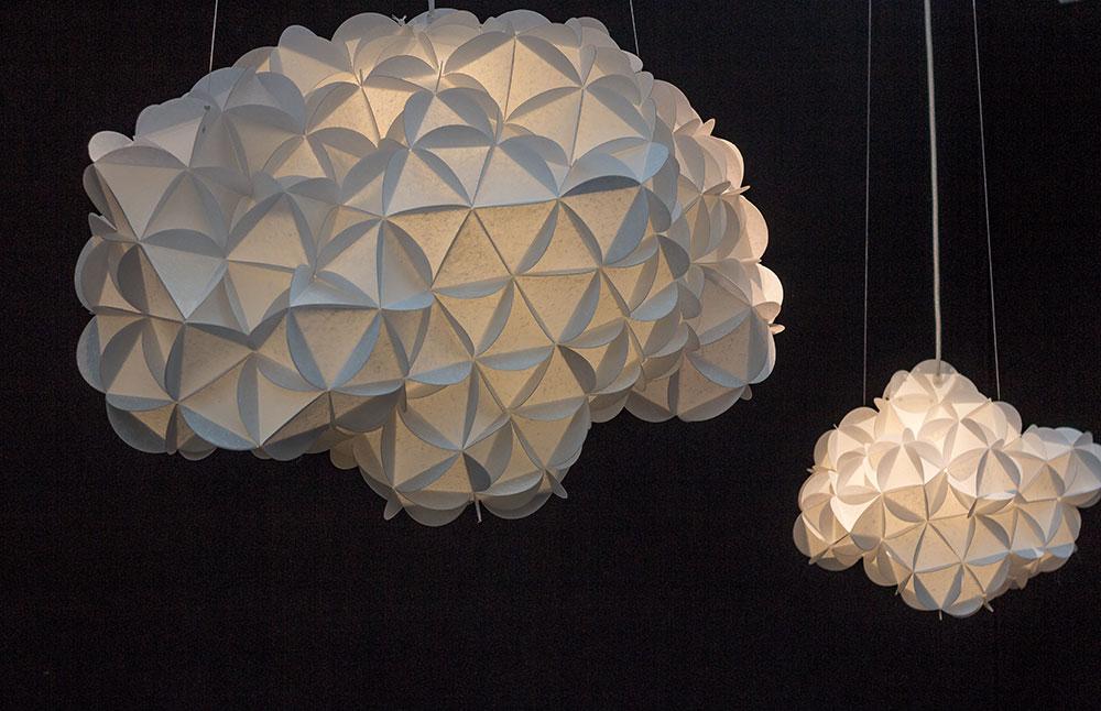 Lampes nuages en papier - éditeur inconnu
