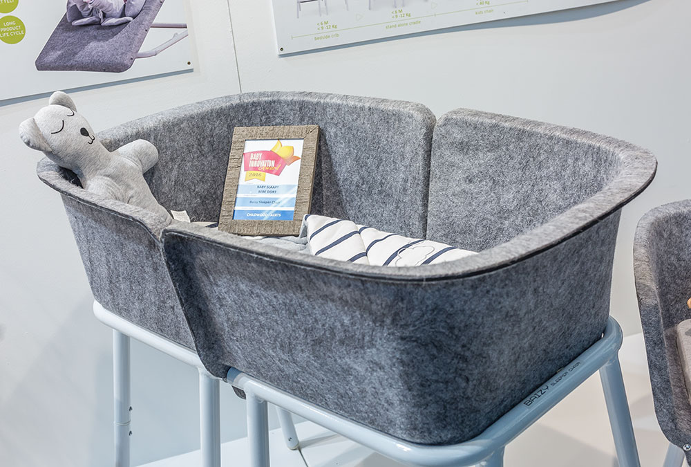 Berceau Baizy Sleeper Chair par Chilhome, en Polytéréphtalate d'éthylène 100% recyclé