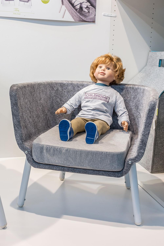 Chaise enfant Baisy par Childhome, en Polytéréphtalate d'éthylène 100% recyclé