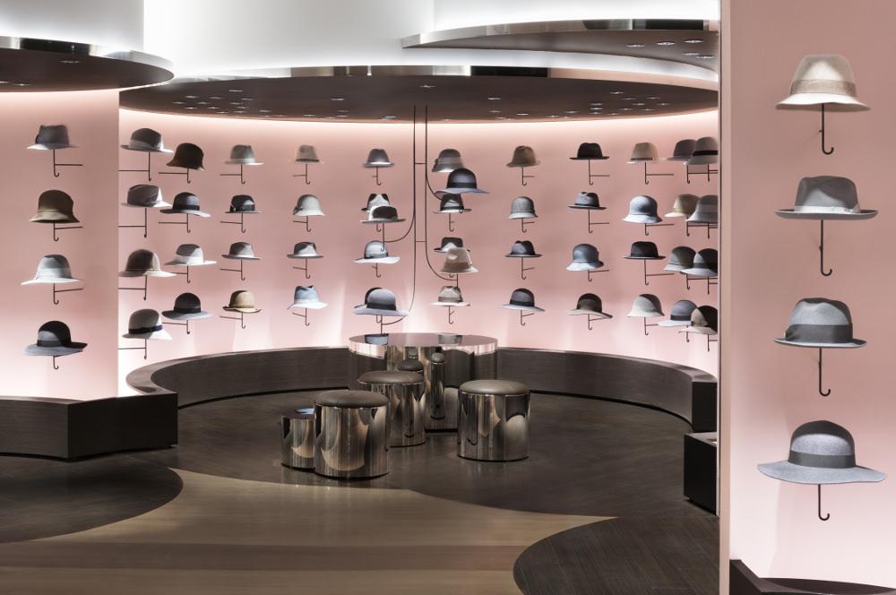 retail vendre des chapeaux comme des parapluies par nendo blog esprit design. Black Bedroom Furniture Sets. Home Design Ideas