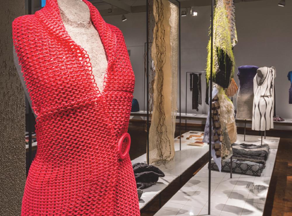 Janne Kytannen, 4 in 1 dress, robe imprimée en 3D © Bauhaus-Archiv, photo Hans Glave