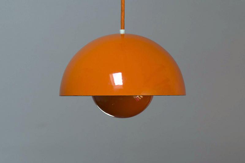 Le Flowerpot édité par Louis Poulsen pour la première fois en 1968 et faisant partie de la conception de Visiona 0